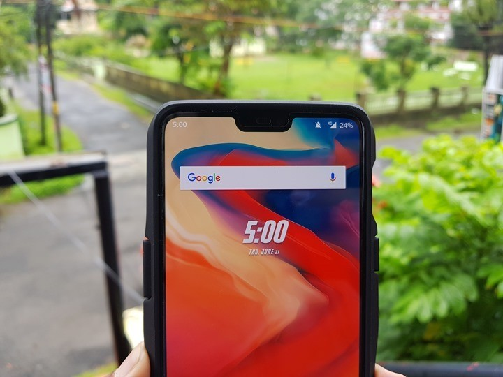 Disable display notch on OnePlus 6