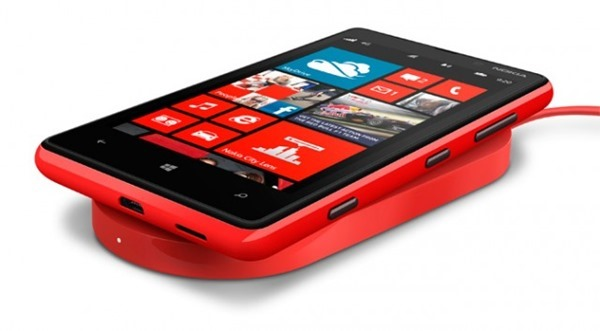 Nokia Lumia 820 wireless charging